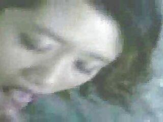 Egy lány, aki nagyon sovány! Látott egy kicsit a női testből a masszázsszobában, de ez a lány olyan különleges, mint ő! Szereti dörzsölni a törékenység testét, a kakas pedig fokozatosan megduzzadt. Nem tud kimászni teljes porno filmek magyarul belőle, és megmenteni az embereket ettől a stimuláló, erős szívó kakastól a szájában.